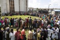 Vysídlení obyvatelé čekají na pomoc