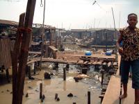 Děcko - rozlehlá oblast slumů Makkoko