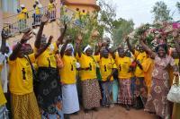 Ženy podporující kampaň Amnesty International proti mateřské úmrtnosti