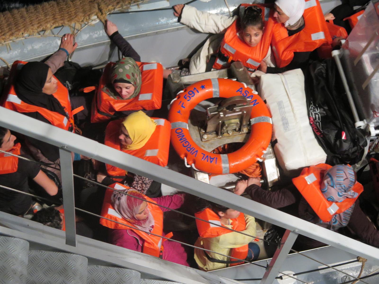 7 otázek, které byste mohli klást ohledně migrantů, kteří umírají při překonávání Středozemního moře